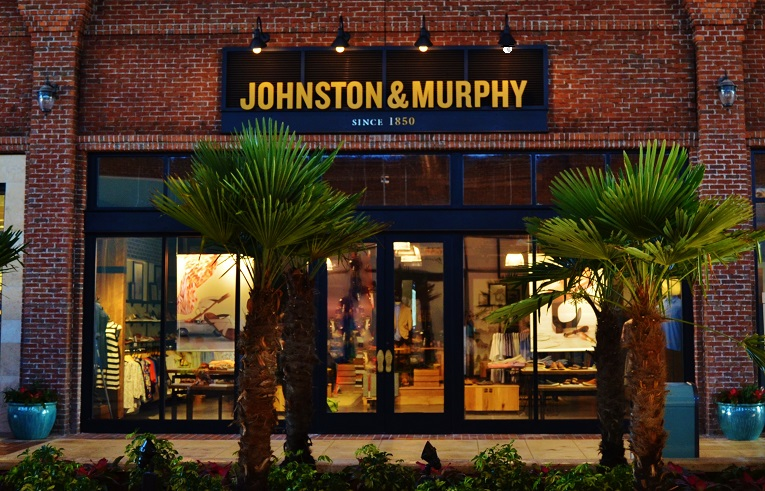 Picture of a Johnston & Murphy store constructed by Retail Construction Services, Inc.