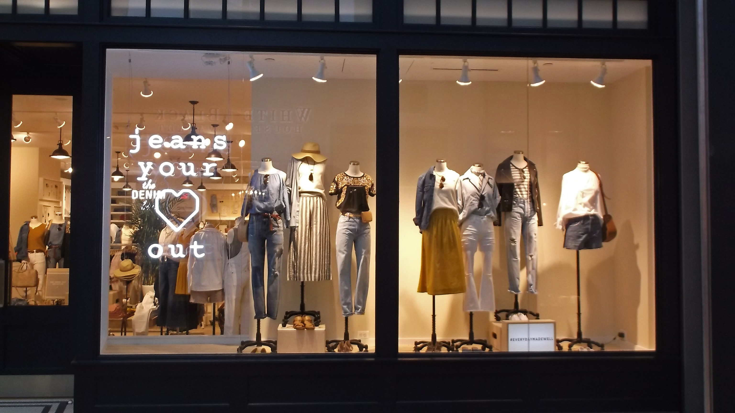 Picture of a Madewell store constructed by Retail Construction Services, Inc.