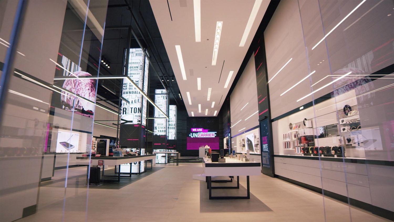 T-Mobile Signature Store - Magnificent Mile, Chicago, IL - RCS