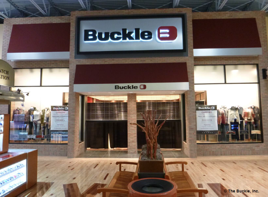 Picture of a Buckle store constructed by Retail Construction Services, Inc.